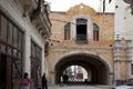 Beautiful archway in Old Havana, Cuba LCCN2010638987.tif