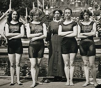 Swimming at the 1912 Summer Olympics – Women's 4 × 100 metre freestyle relay - Image: Belle Moore, Jennie Fletcher, Annie Speirs, Irene Steer 1912
