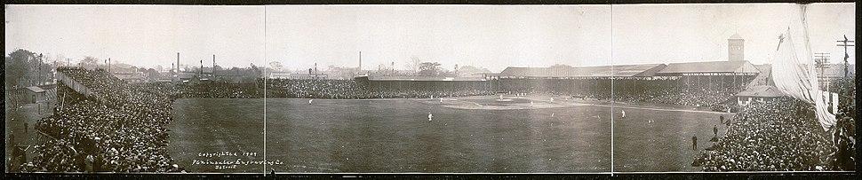 Bennett-park-1909-world-series