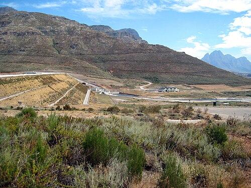 Dighe di costruzione cinese in Sud Africa (da Wikipedia Commons)
