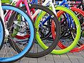 Bicis multicolores.jpg