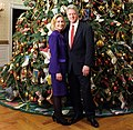 Bill and Hillary Clinton Christmas Portrait 1996 (cropped1).jpg