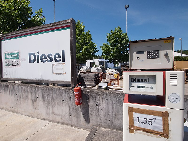 File:Biodiesel-Tankstelle Blankenloch.jpg