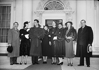 Marsha Hunt (actress, born 1917) - Celebrities including Hunt, Robert Taylor, Jean Harlow and Mitzi Green were invited to Washington, D.C., to assist with President's Birthday Ball fundraising activities (1937)
