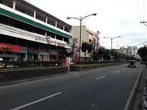 Boni Avenue - Boni Avenue looking east towards EDSA from Maysilo Circle