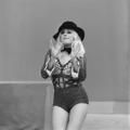 Bonnie St. Claire - TopPop 1974 09.png