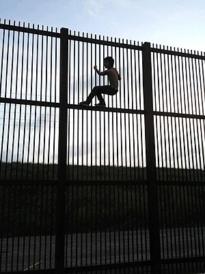 Border Wall, Brownsville, Texas, Immigrant, Cr...
