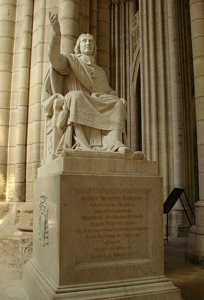 19th-century statue of Bossuet in Meaux Cathedral Bossuet Cathedrale de Meaux 140708 2.jpg
