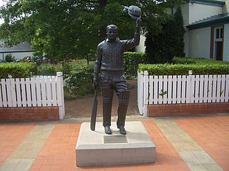 Southern Highlands (New South Wales) - The statue of Sir Donald Bradman outside the Bradman Museum.