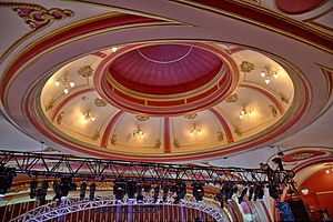 Bristol Hippodrome - Image: Bristol Hippodrome Auditorium Dome