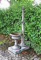 Brunnen an der Klosterkirche St. Sebastian Rosenheim-1.jpg