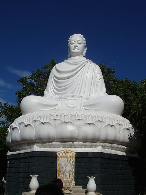 The main statue of Gautama Buddha in Thich Ca Phat Dai Buddhist temple. Buddha in Vung Tau.JPG