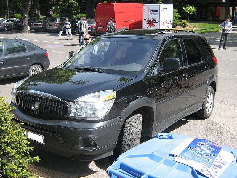 File:Buick Rendezvous front - before exhibition TTM 2009.jpg