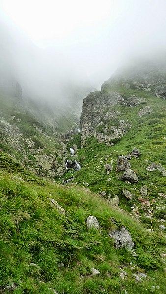 File:Bulgaria - Balkan Mountains - Central Balkan - panoramio (2).jpg
