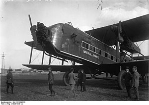 Trimotor - Imperial Airways Armstrong Whitworth A.W. 154 Argosy