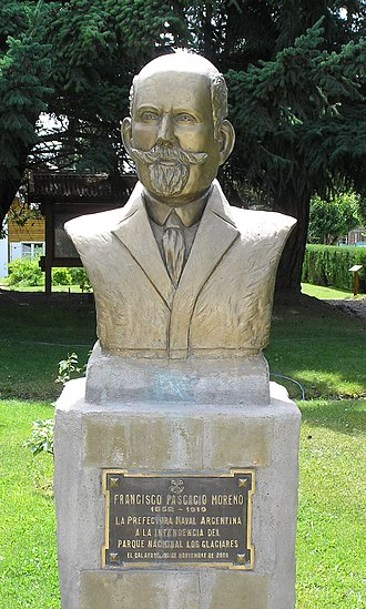 Francisco Moreno - Bust of Francisco Moreno, in front of the Los Glaciares National Park offices in El Calafate.