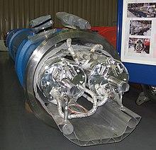 Sezione di un magnete superconduttore di LHC.