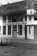 COLLECTIE TROPENMUSEUM Koloniale gevels aan de westzijde van de straat Kali Besar in Batavia TMnr 60030905.jpg