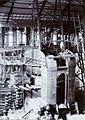 COLLECTIE TROPENMUSEUM Montage van een grote boogzender van Radiostation Malabar TMnr 60019329.jpg