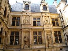 220px-Caen_hotel_de_l%27escoville