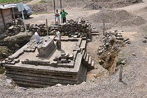Liyangan - Liyangan temple during excavation.