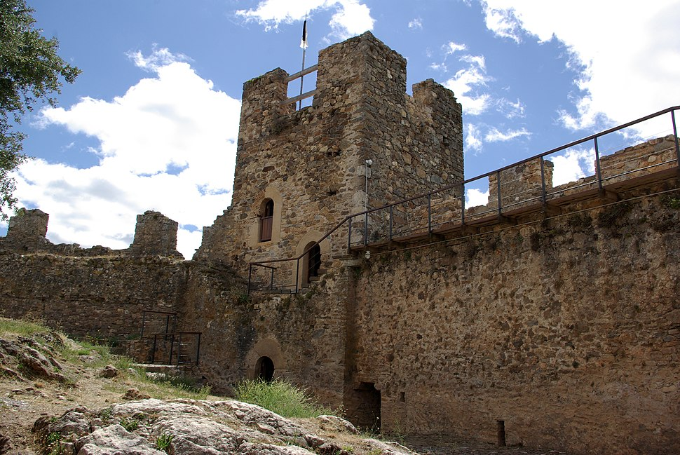 Castillo de Cornatel 02 by-dpc