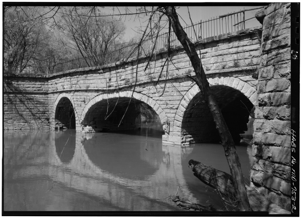 Catoctin Ck Aqueduct before collapse from HABS