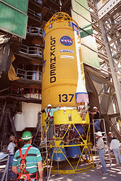 File:Centaur stage KSC-00PP-0424.jpg