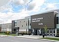 Centre sportif Léonard-Grondin - facade angle.jpg