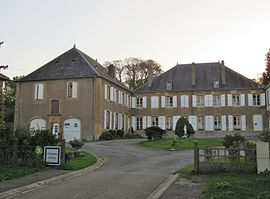 The chateau in Puxe