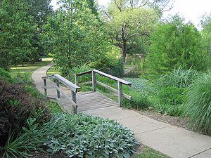 Chickasaw Gardens - Image: Chickasaw Gardens Lake Memphis TN 016