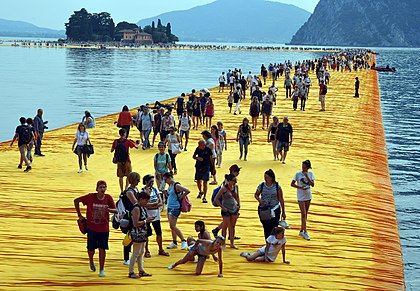 The Floating Piers (Christo et Jeanne-Claude)