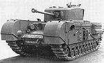 Tanque Churchill Mk VII. Winston Churchill fue uno de los principales impulsores del desarrollo del tanque, aunque no estuvo satisfecho con el uso que los jefes militares hacían de él.