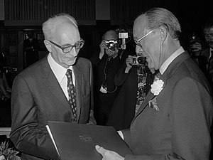Claude Lévi-Strauss - Claude Lévi-Strauss, receiving the Erasmus Prize (1973)