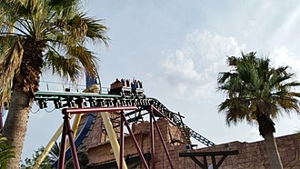 Cobra's Curse - Cobra's Curse trains as they traverse up the wheel lift