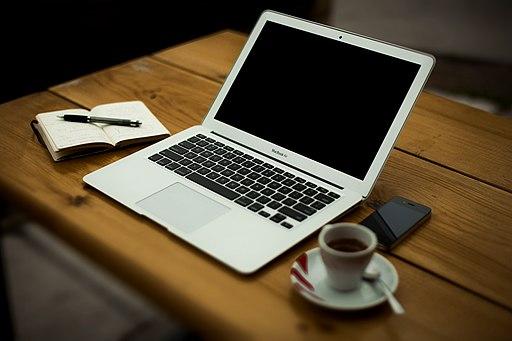 Coffee-apple-iphone-laptop-1 (23699840693)