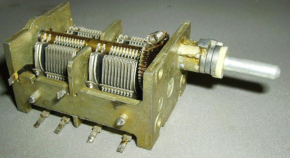 Condensador-variable