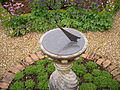 Coton Manor -Northamptonshire -sundial-27May2008.jpg