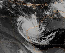 Cyclone Oliva 1996 at peak intensity.jpg