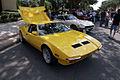 De Tomaso Pantera 1972 yellow RSideFront LakeMirrorClassic 17Oct09 (14598586534).jpg