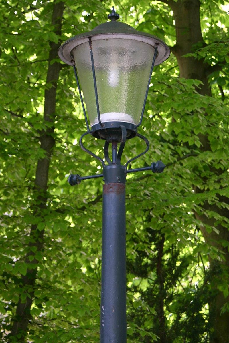 De wittenburg gietijzeren lantaarns in wassenaar for De lantaarn rotterdam
