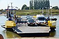 Detail of the preceeding photo where the principle of a Dutch ferry can be seen - panoramio.jpg