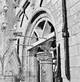 Detail toren, schade door roestende brugstaaf - Gouda - 20345454 - RCE.jpg