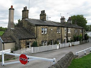 Apperley Bridge - Image: Dobson Lock Cottages 1200
