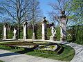 Donndorf - Fantaisie Schlosspark - Gartenskulpturen-Apollon und Diana (15.04.2007).jpg