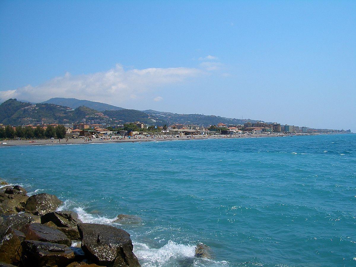 Vallecrosia - Wikipedia