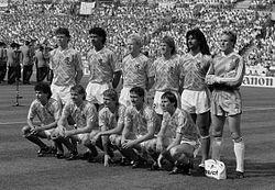 EK voetbal in West Duitsland; Nederland tegen Ierland 1 Van Basten, Rijkaard, R. Koeman, E. Koeman, Gullit en Van Breukelen.jpg