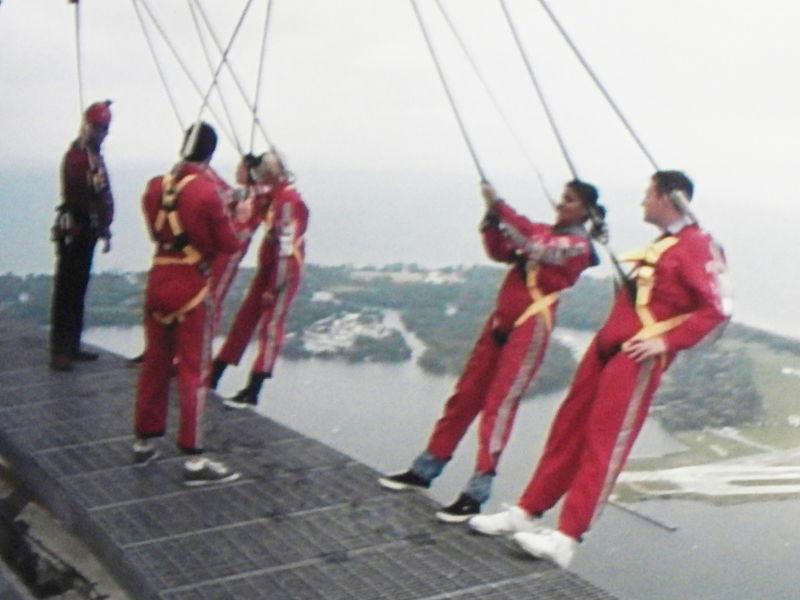 File:EdgeWalk CN Tower.JPG