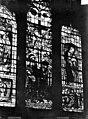 Eglise Notre-Dame - Vitrail de la chapelle de l'Assomption - Crucifixion, saint Pierre - Dijon - Médiathèque de l'architecture et du patrimoine - APMH00020139.jpg