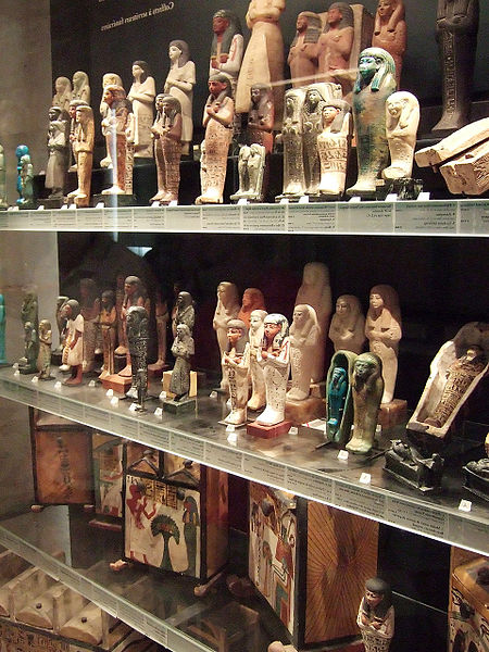 Los Ushebtis 450px-Egyptian_funerary_figurines_louvre_180flip